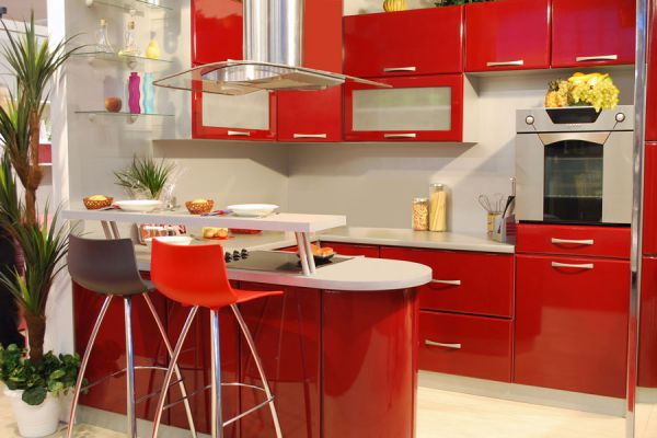10 pasos para pintar una alacena de cocina. Guía para pintar alacenas.