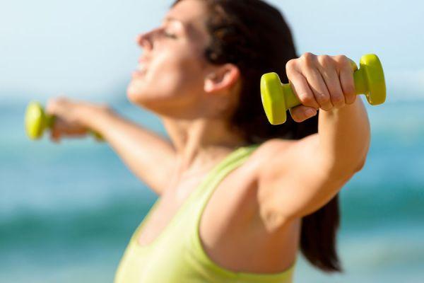 Cómo tener brazos más firmes. 4 ejercicios para tener los brazos firmes.