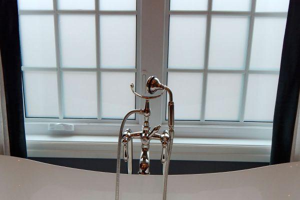 Cómo esmerilar ventanas en casa. Tips para esmerilar vidrios. Cómo esmerilar vidrios con pasta esmeriladora
