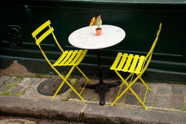 Un buen toque de pintura ayuda a renovar los muebles metálicos