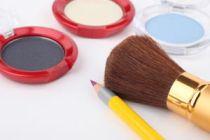 Cómo aplicar el delineador eyeliner
