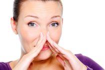 Cómo eliminar el olor a pescado de las manos