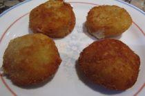 Cómo preparar bolitas de queso en el microondas