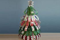 Cómo hacer un árbol de Navidad con Papel de Regalo