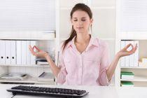 Ejercicios de Yoga para hacer en la Oficina