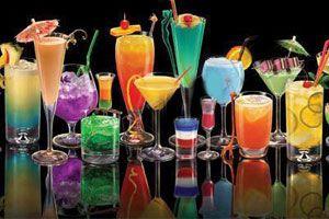 Formas y estrategias para decorar un trago.