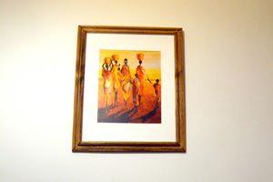 Cómo colocar cuadros en una habitación
