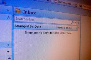 Evitar que un virus se envíe a todos mis contactos del Outlook