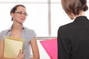 Ilustración de Cómo explicar nuestros aspectos negativos en una entrevista de trabajo