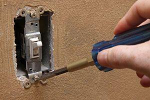 Pasos simples para reparar un interruptor. Procedimiento para arreglar un interruptor que hace falso contacto