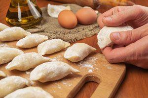 Ilustración de Cómo evitar que las empanadas se abran al cocinarlas