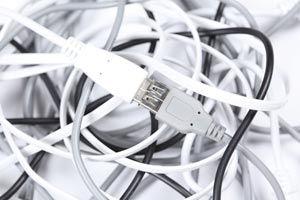 Cómo reparar el cable de un enchufe o clavija