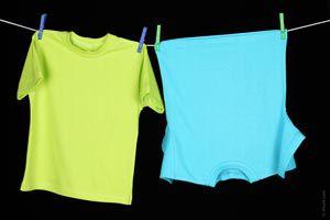 Cómo tender o colgar la ropa sin deformarla