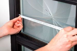 Cómo medir el vidrio para comprar otro
