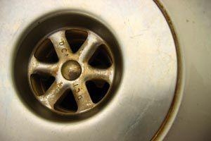 Cómo evitar que los desagües se atasquen