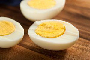 Cómo cortar Huevos Duros sin romper la Yema
