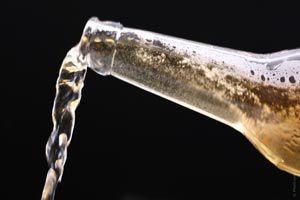 Cómo quitar las manchas de cerveza
