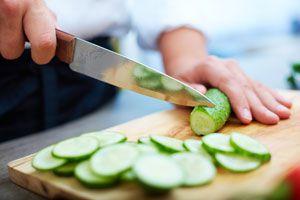 Cómo manejar en forma adecuada los cuchillos