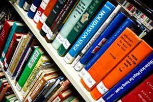 Cómo dividir una habitación con un mueble de librería