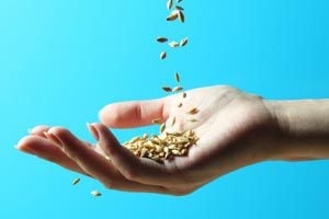 Cómo limpiar las manos manchadas por la comida
