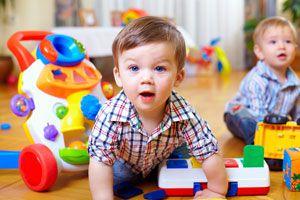 Cómo hacer que los niños guarden sus juguetes