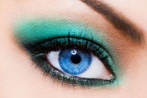 Ilustración de Cómo delinear los ojos