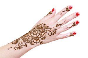 Ilustración de Cómo quitar un Tatuaje de Henna