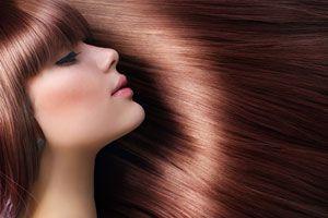 Cómo aumentar el brillo del cabello