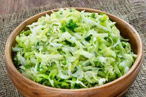Ilustración de Cómo preparar una ensalada de col
