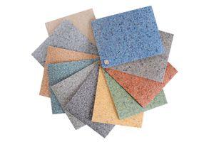 Guia para aplicar suelos de vinilo. Cómo colocar las baldosas de vinilo sobre el suelo. Consejos para la colocación de suelos de vinilo.