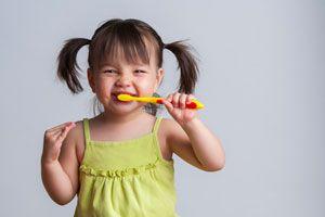 Implementando el Hábito de cepillarse los dientes en los niños
