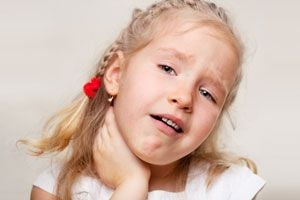 Cómo aliviar el dolor de garganta