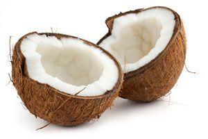 Procedimiento para pelar un coco fresco. Cómo quitarle la cáscara a un coco fresco