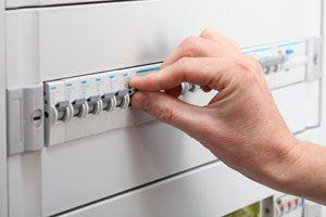 Cómo cuidar y mantener la instalación eléctrica del hogar