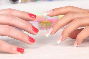 Ilustración de Cómo elegir el quitaesmalte y el esmalte para nuestras uñas