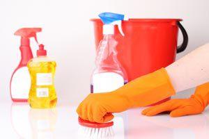 Limpiadores que no se deben mezclar. Combinar diferentes limpiadores.