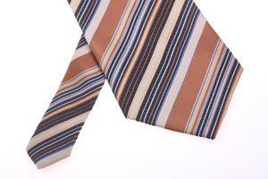 Cómo evitar y eliminar las arrugas en las corbatas
