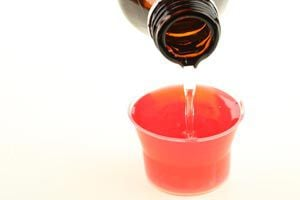 Ilustración de Cómo hacer un jarabe natural para la tos