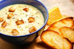 Cómo hacer una sopa de queso en el microondas