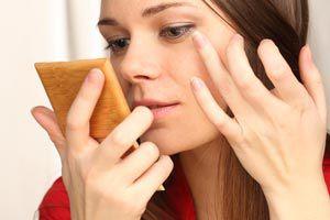 Cómo aplicar una base de maquillaje