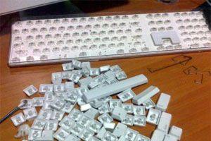 Cómo desarmar y limpiar un teclado