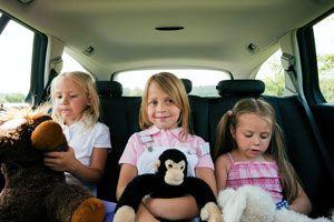 Ilustración de Cómo entretener a los niños dentro del coche