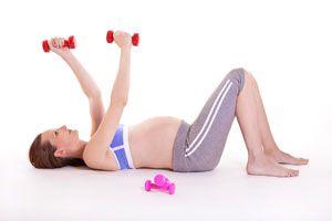 Cómo realizar ejercicios para prepararse para el parto