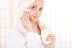Ilustración de Cómo hacer un Tratamiento para el Acné con Cremas caseras