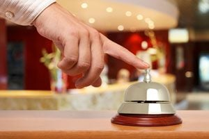 Ilustración de Cómo Atraer Turistas a un Hotel Pequeño
