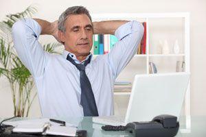 Consejos y ejercicios al trabajar sentado