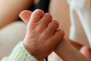 Cómo ayudar a un recién nacido