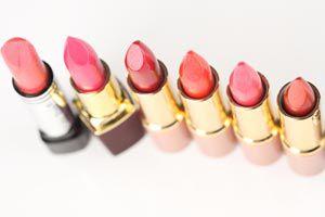 Ilustración de Cómo elegir el tono correcto de lápiz labial