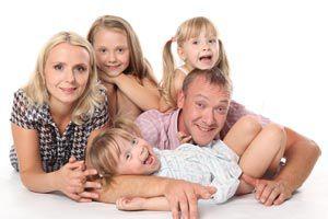 Ilustración de Cómo enfrentar en familia las crisis