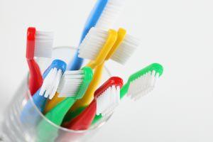 Cómo elegir el cepillo de dientes para niños